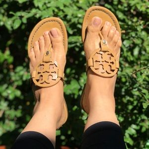 Tory Burch🍂🍁Miller sandals Nude patent size 6